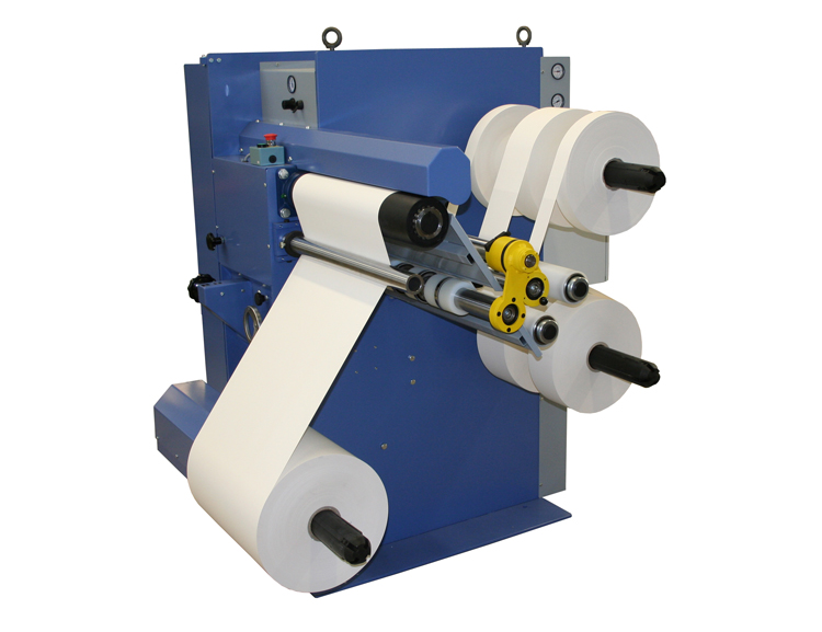 Shear cut roll slitter type RKS for narrow rolls