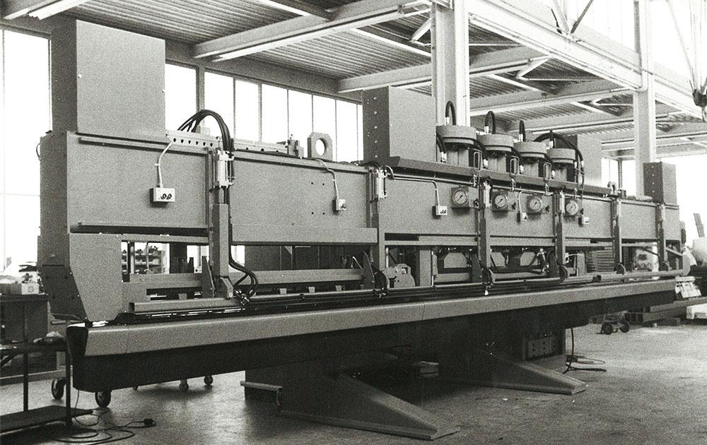 Erste 100 Tonnen Durchlaufpresse
